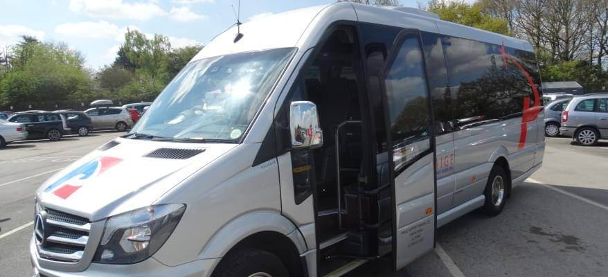 Paige Airport Parking Luton Airport New Mercedes Transfer Coaches