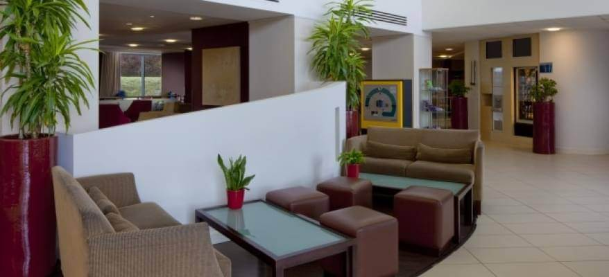 Holiday Inn Express Stansted Lobby
