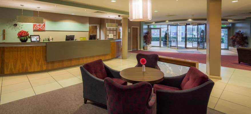 Hilton Garden Inn Luton Airport Reception
