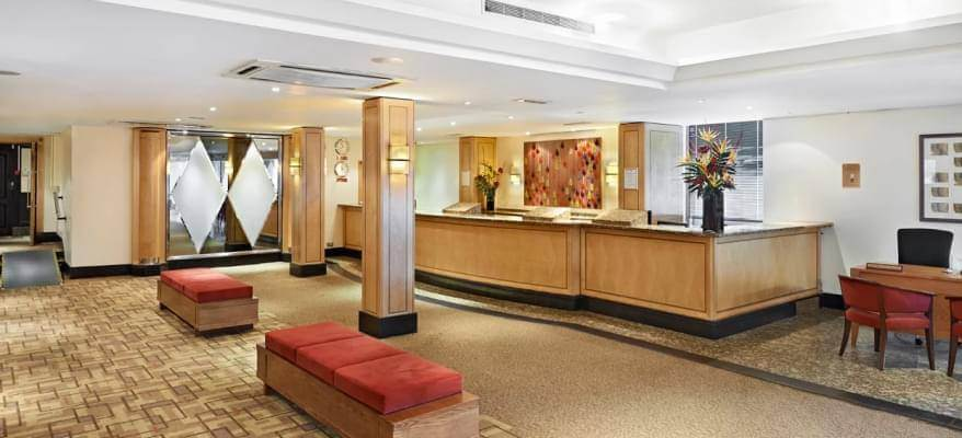Thistle London Heathrow Thistle LHR Reception