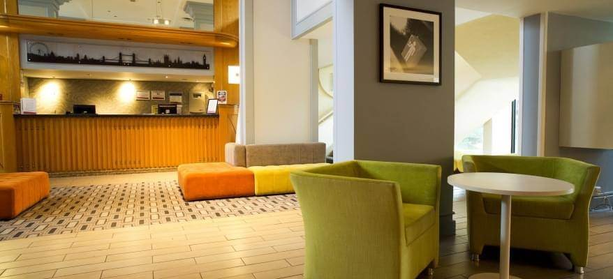 Airport Inn Gatwick Airport Reception Lounge Area
