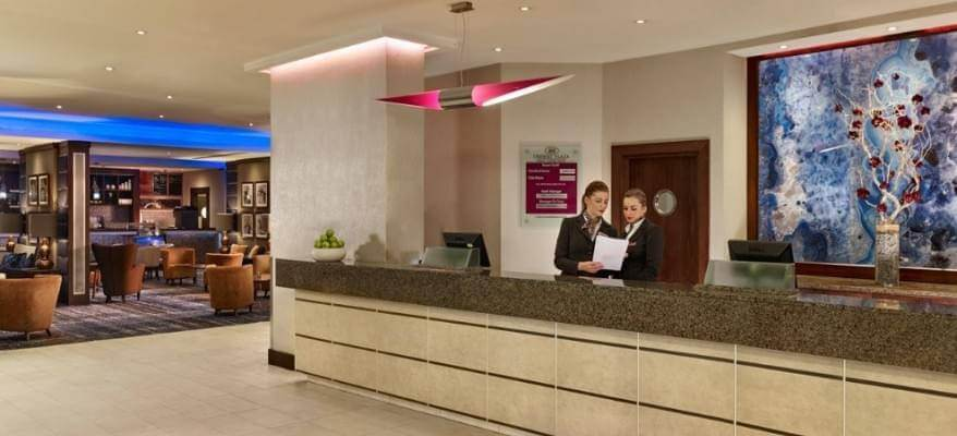 Crowne Plaza London Gatwick Reception