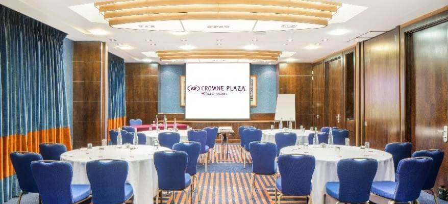 Crowne Plaza London Gatwick Meeting Room