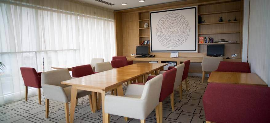Hampton By Hilton Gatwick Airport Boardroom