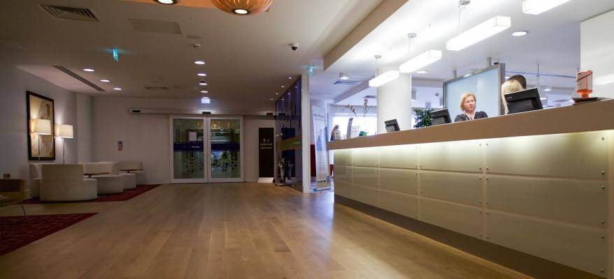 Hampton By Hilton Gatwick Airport Reception