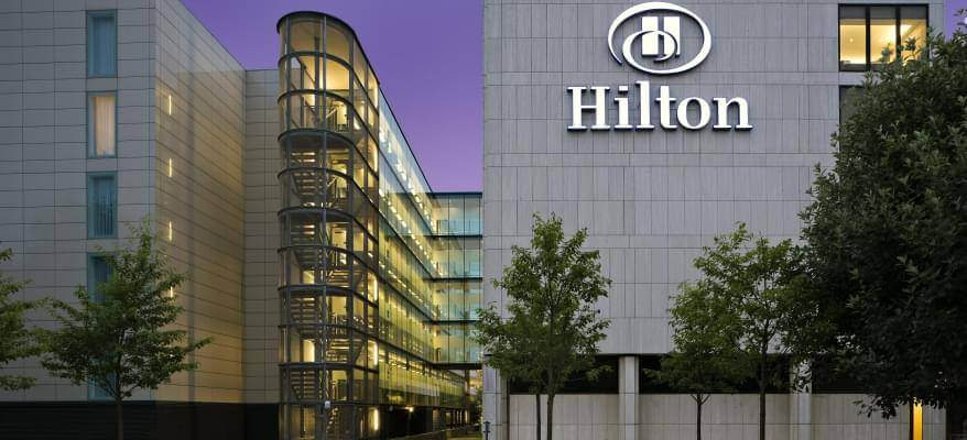 Hilton London Gatwick Airport Exterior Night Sky