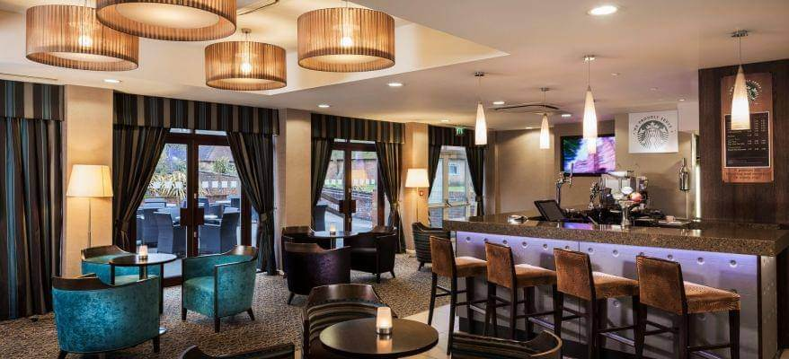 Holiday Inn Gatwick Worth Bar