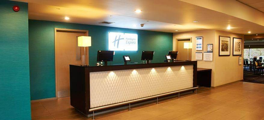 Holiday Inn Express Manchester Reception
