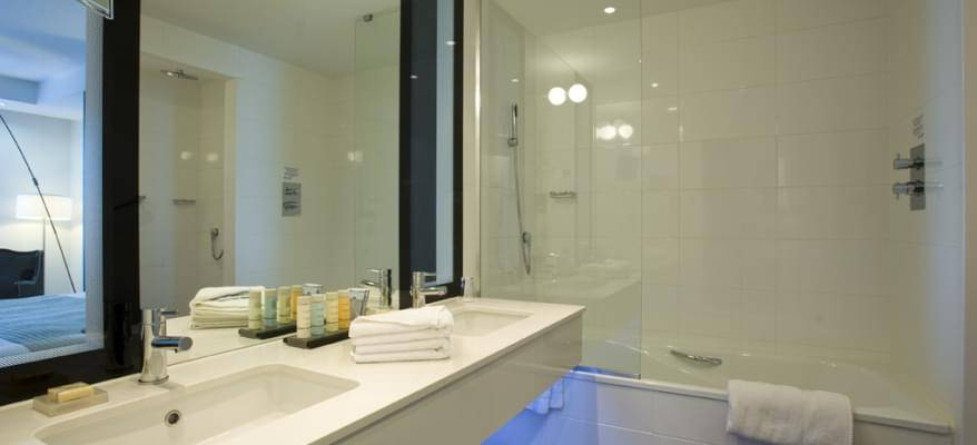 Radisson Blu East Midlands Airport Ensuite