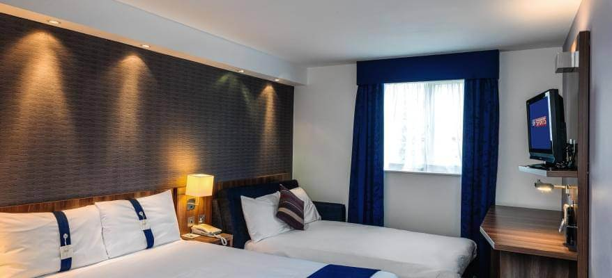 Holiday Inn Express Gatwick Crawley FM3