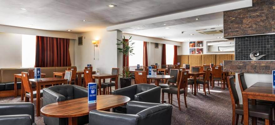Holiday Inn Express Gatwick Crawley Restaurant
