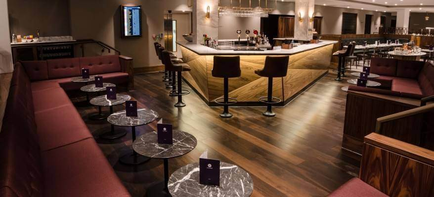 No1 Lounge South Terminal Gatwick Airport bar lounge