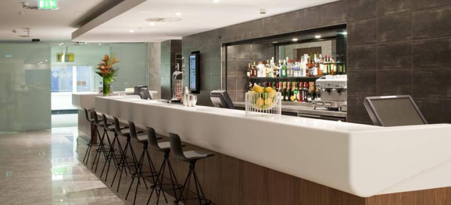No1 Lounge Terminal 3 Heathrow Airport Bar 1