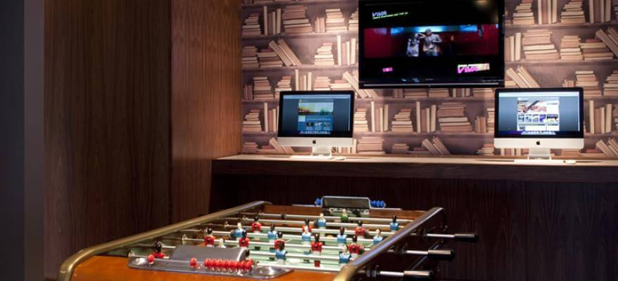 No1 Lounge Terminal 3 Heathrow Airport Games Room 1