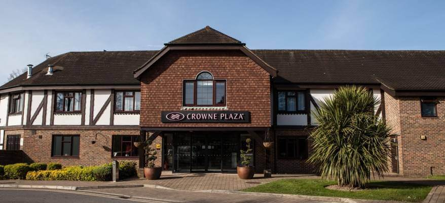 Crowne Plaza Felbridge Gatwick Airport Outside