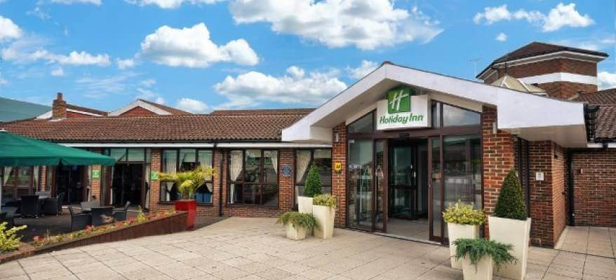 Holiday Inn Gatwick Worth Breakfast Package Exterior Front Day