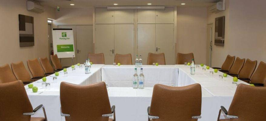 Holiday Inn Gatwick Worth Breakfast Package Meeting Room