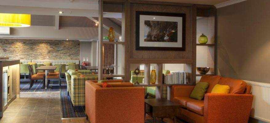 Holiday Inn Express Edinburgh Airport Lounge