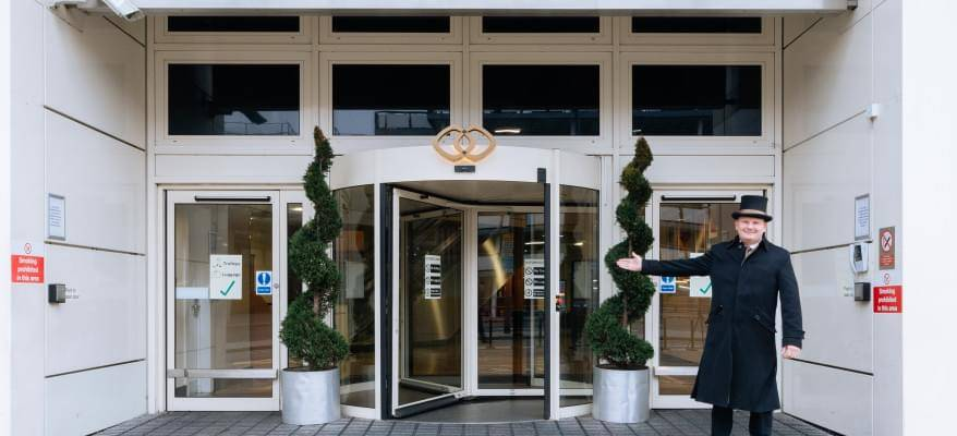 Sofitel London Gatwick Hotel Dinner Package Main Entrance 1(1)