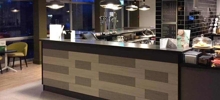 Holiday Inn Luton South M1 J9 Bar
