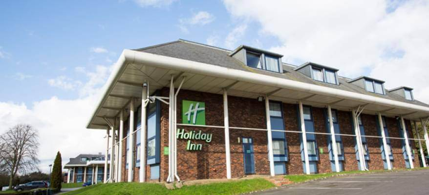 Holiday Inn Luton South M1 J9 Exterior