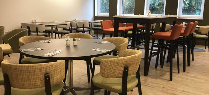 Holiday Inn Luton South M1 J9 Restaurant Seating