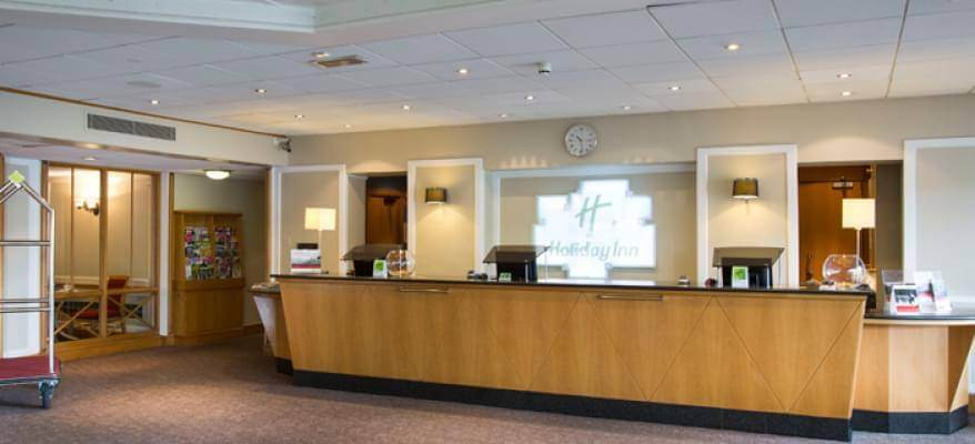Holiday Inn Luton South M1 J9 Reception