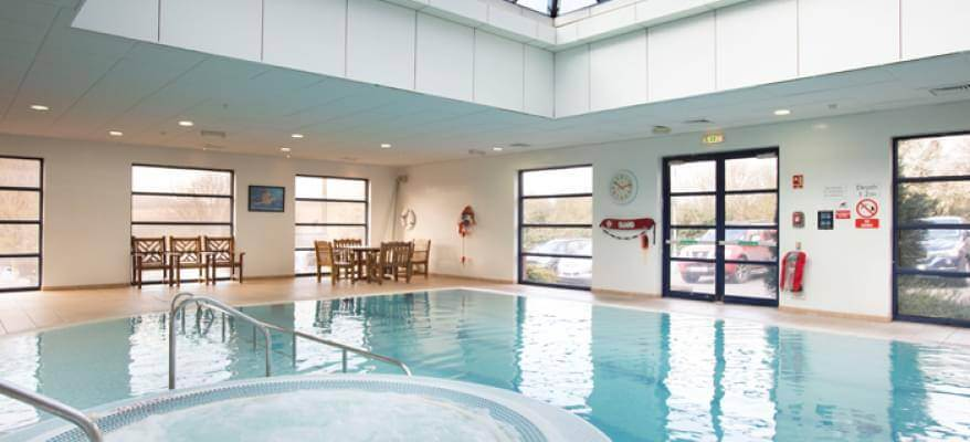 Holiday Inn Luton South M1 J9 Swimming Pool