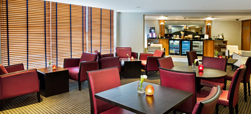 Crowne Plaza Hotel Heathrow Airport CP London Heathrow Club Lounge1 Low Res