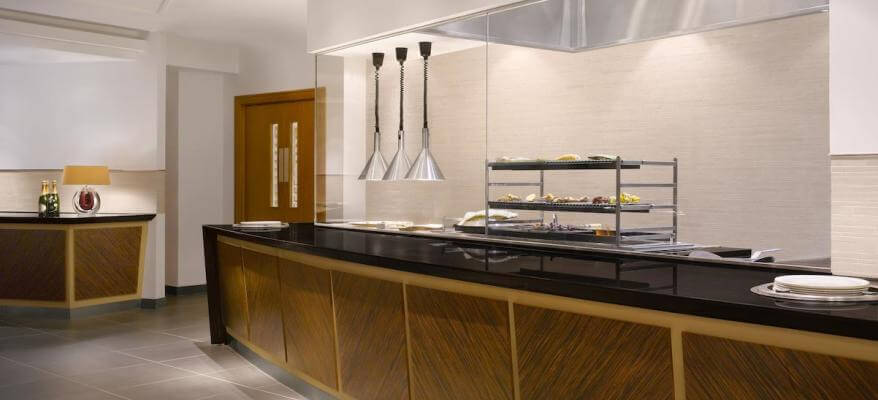 Sheraton Skyline Hotel Heathrow Open Kitchen