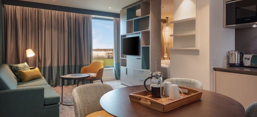 Staybridge Suites Heathrow Bath Road PellierStaybridge 1393 LHGH25