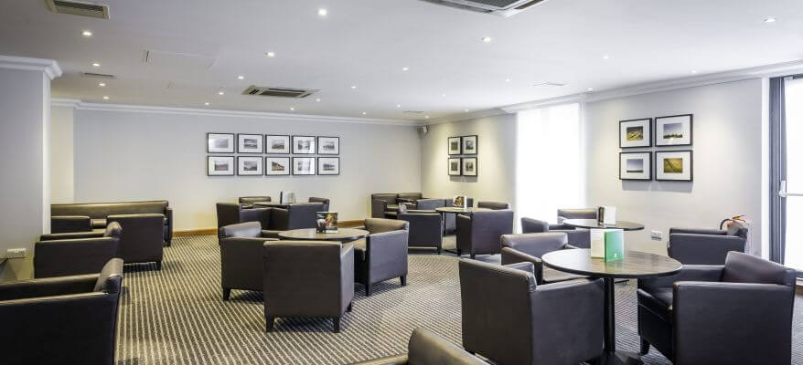 Holiday Inn Glasgow International Airport Lounge