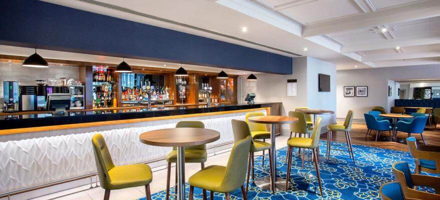 Jurys Inn Aberdeen Airport Bar