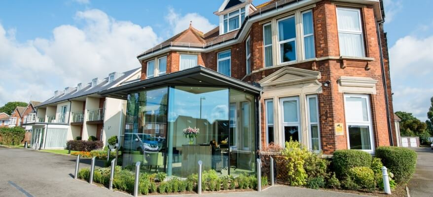 The Stanwell Heathrow Hotel Exterior Front Stanwell