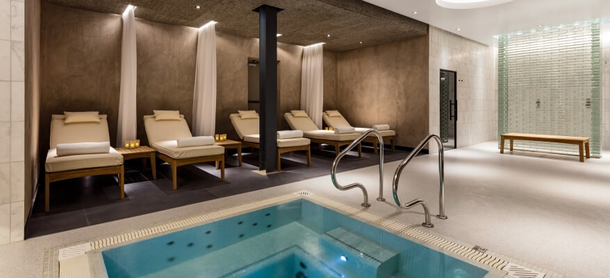Radisson Blu Edwardian Heathrow Heathrow Spa And Gym Jacuzzi Relaxation Area 2
