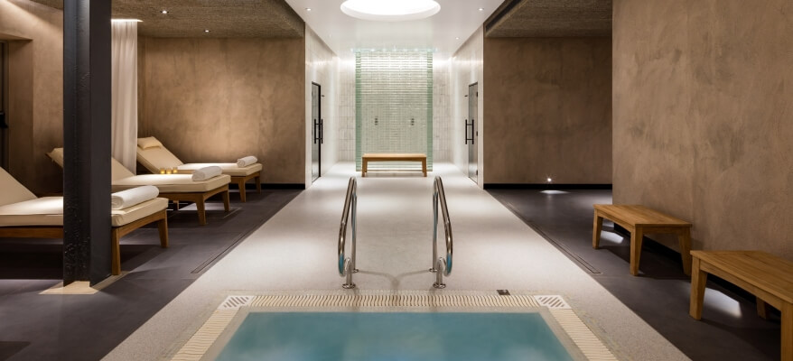Radisson Blu Edwardian Heathrow Heathrow Spa And Gym Jacuzzi Relaxation Area 1