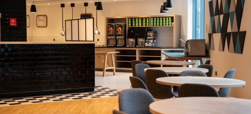Holiday Inn Express Stansted Airport HI EXP STN Bar Reception