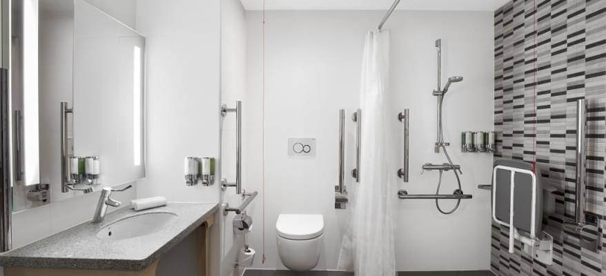 Hampton By Hilton Bristol Airport Accessible Bathroom