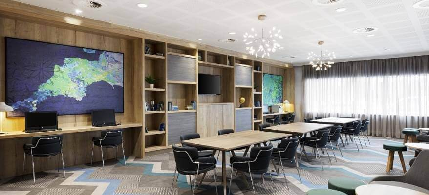 Hampton By Hilton Bristol Airport Business Area