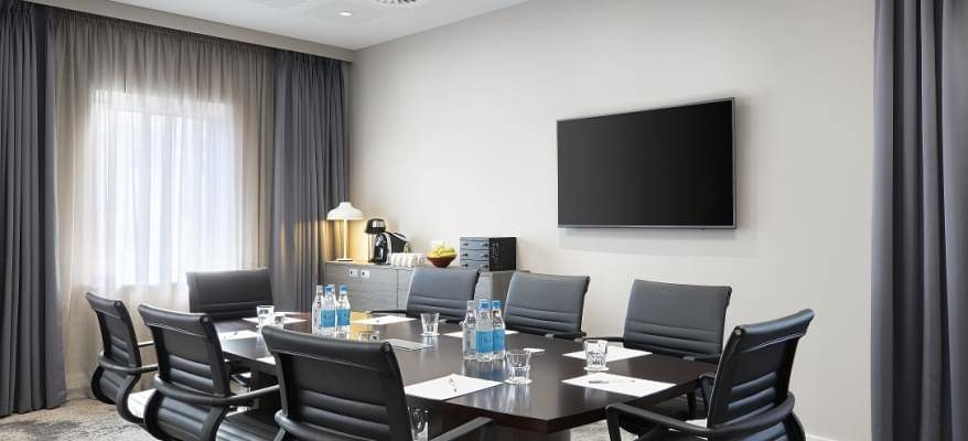 Hampton By Hilton Bristol Airport HbH Meeting Room