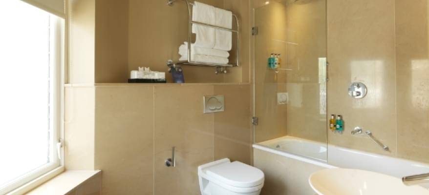 Radisson Blu Edwardian Heathrow Ensuite