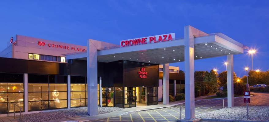 Crowne Plaza Manchester Exterior