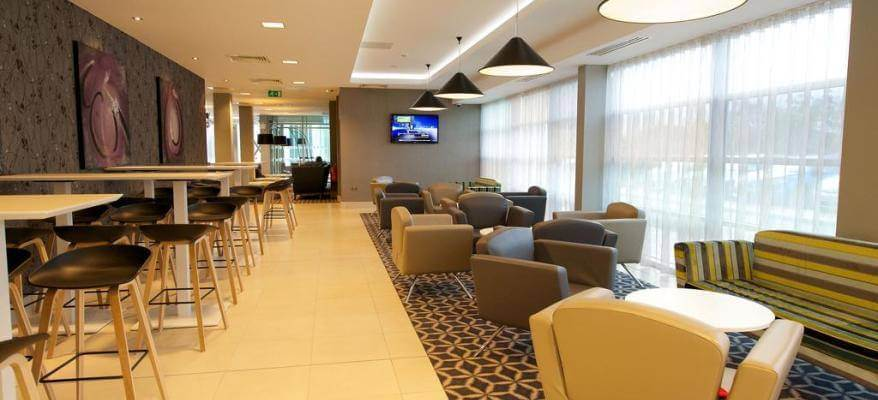 Holiday Inn Southend Airport Lounge
