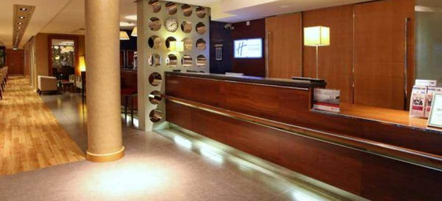 Holiday Inn Express Southampton Airport Reception(2)
