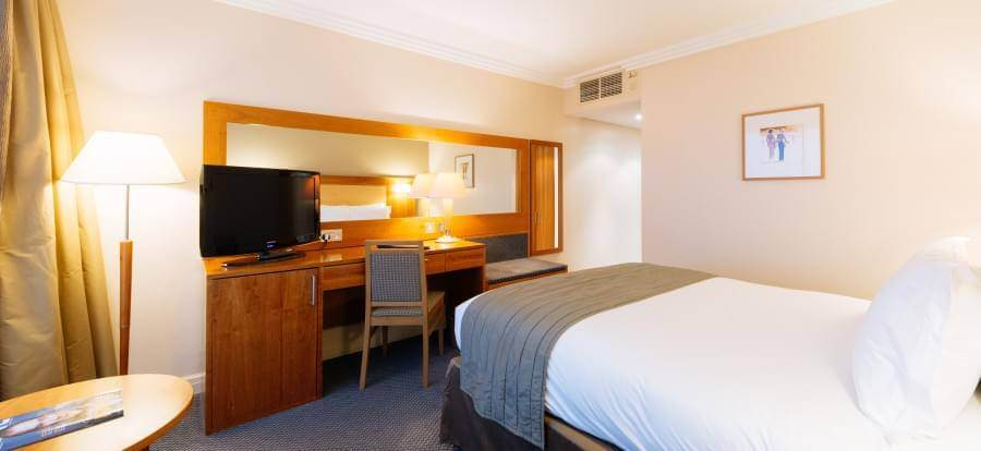 Sofitel London Gatwick Hotel Double Bedroom