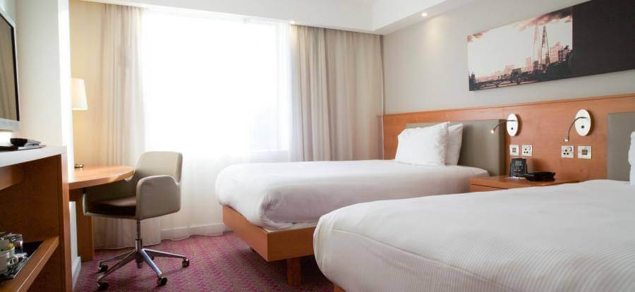 Hampton By Hilton Gatwick Airport Twin