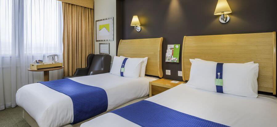 Holiday Inn Glasgow International Airport Twin Room