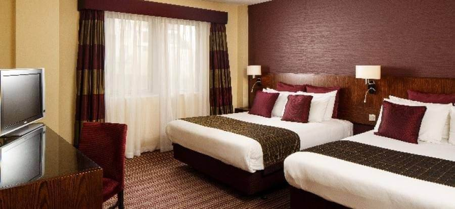 Crowne Plaza London Gatwick FM4