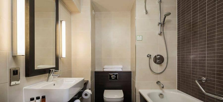 Holiday Inn Gatwick Worth Breakfast Package Ensuite