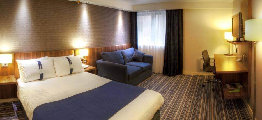 Holiday Inn Express Edinburgh Airport Double Accessible